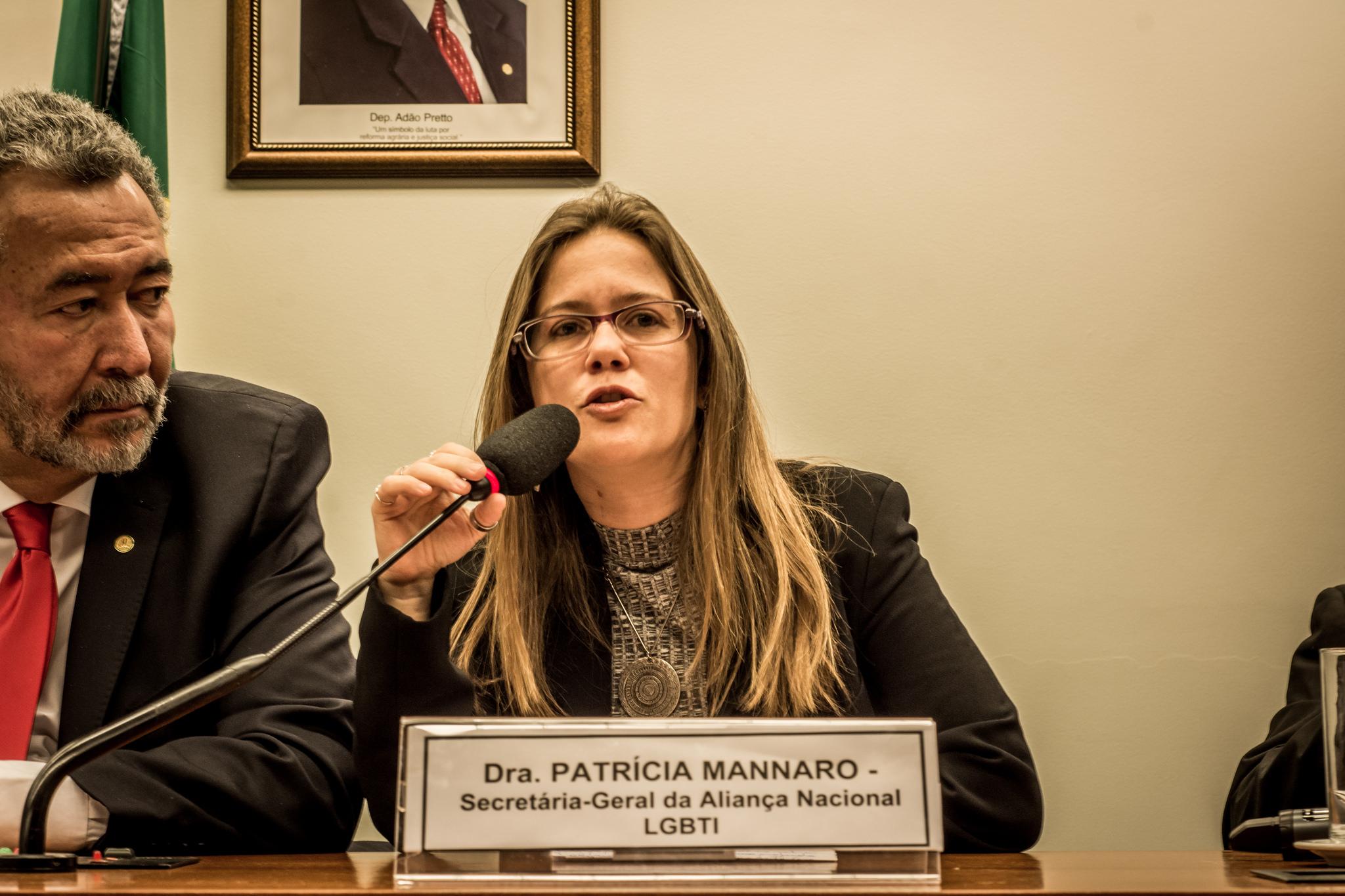 Patrícia Mannaro, Secretária-Geral da Aliança Nacional LGBTI+ falando na audiência
