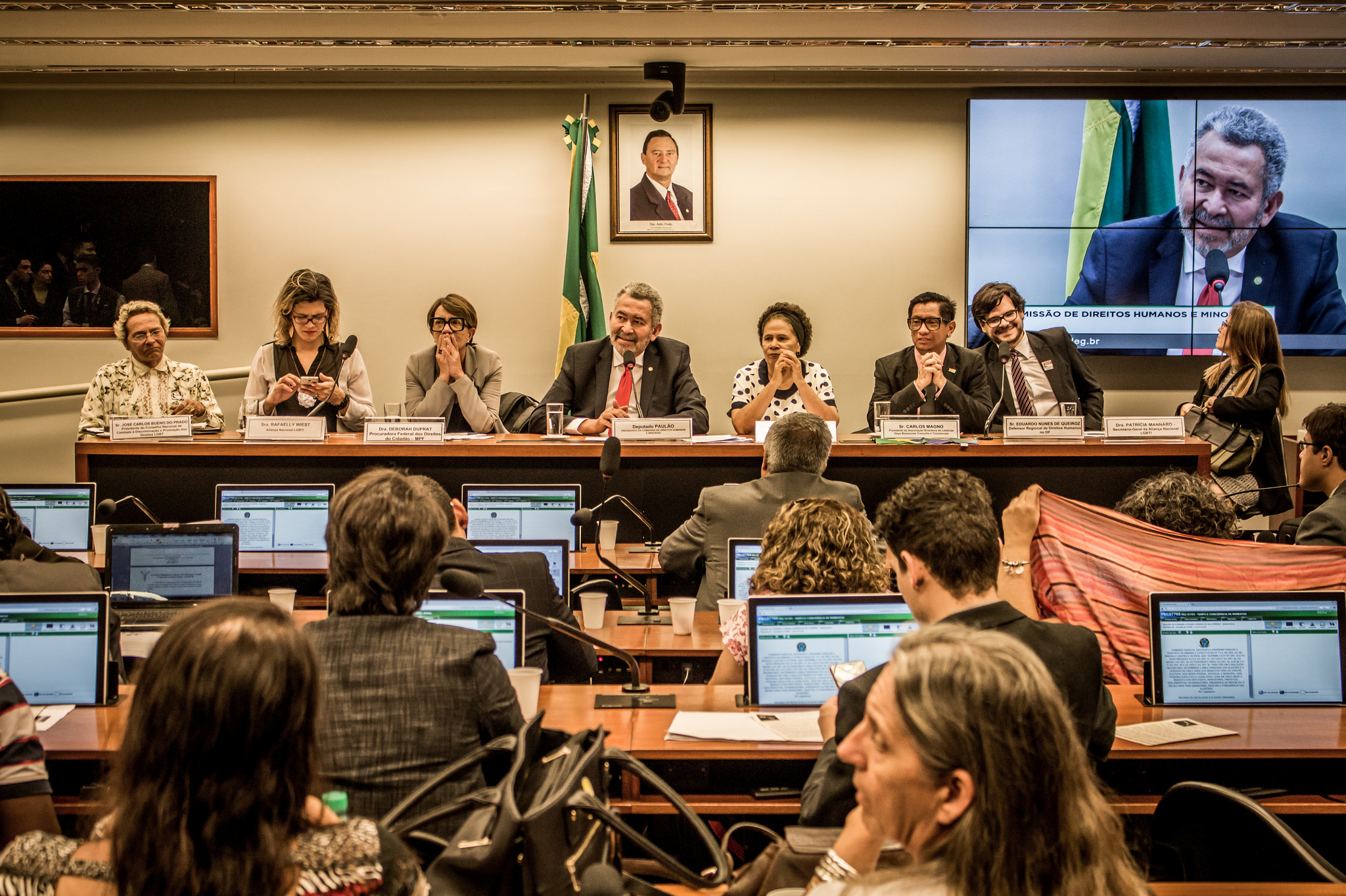 Mesa da Audiência Pública contra os crimes de ódio à comunidade LGBT, da Comissão de Direitos Humanos e Minorias, realizada em 17/05/2017